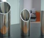 Полированные нержавеющие трубы как элемент дизайна