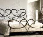 Виды кованых кроватей для спальни