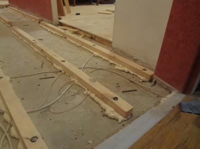 Подготовка пола с помощью бетонной стяжки