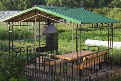 Металлочерепичная крыша для беседки