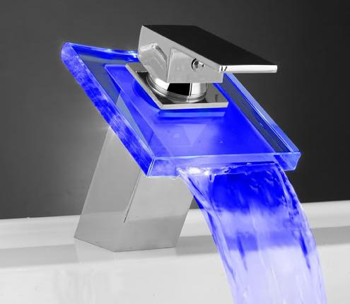Смеситель для ванной с подсветкой